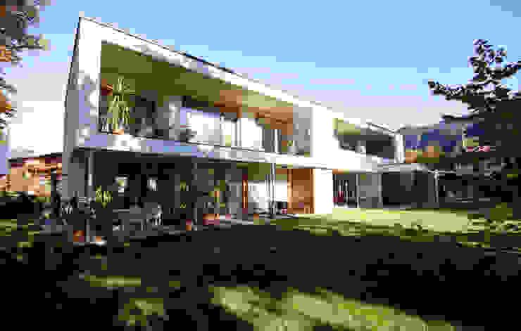 Casas de estilo  por BESTO ZT GMBH_ Architekt DI Bernhard Stoehr, Moderno Ladrillos