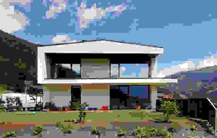Moderne huizen van BESTO ZT GMBH_ Architekt DI Bernhard Stoehr Modern