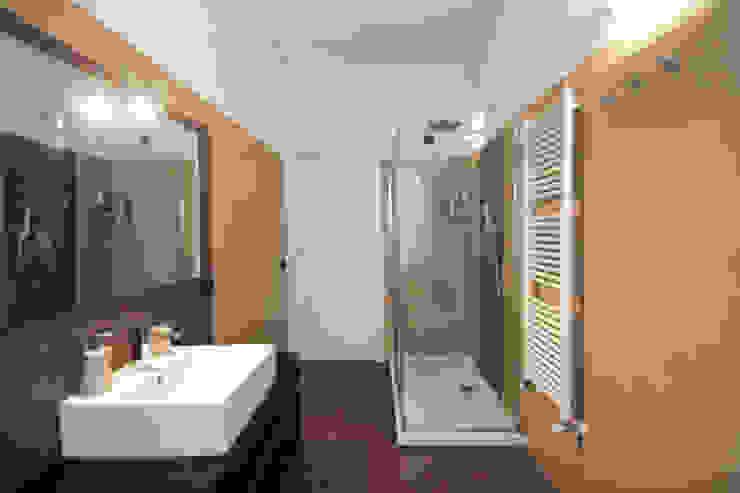 Salle de bain moderne par Marco D'Andrea Architettura Interior Design Moderne Poterie