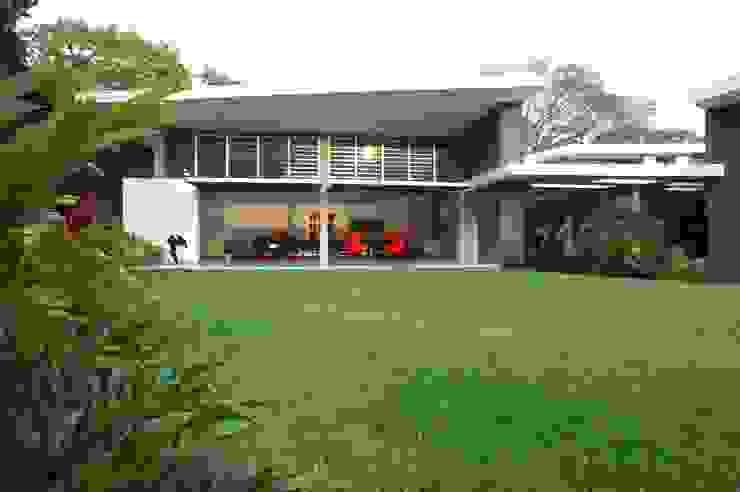 Jardines modernos: Ideas, imágenes y decoración de oda - oficina de arquitectura Moderno