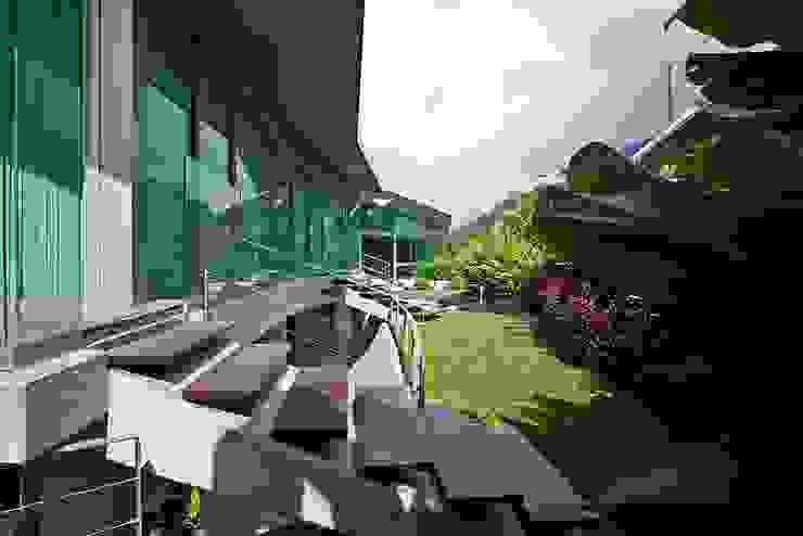Jardines de estilo moderno de oda - oficina de arquitectura Moderno
