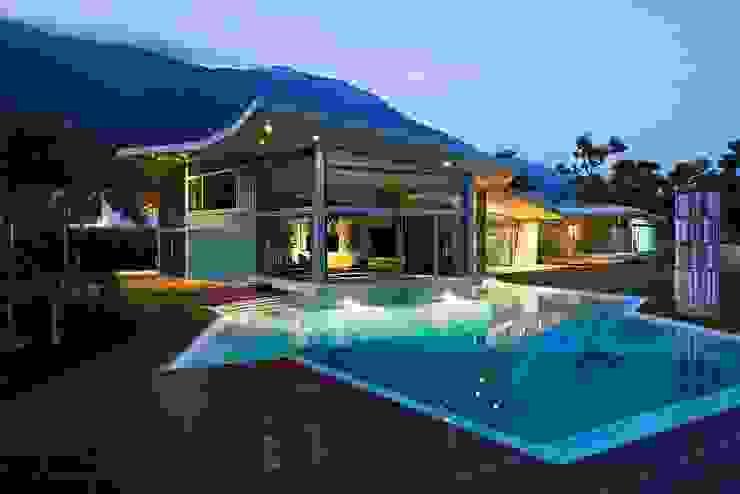 Casa AG Piscinas de estilo moderno de oda - oficina de arquitectura Moderno