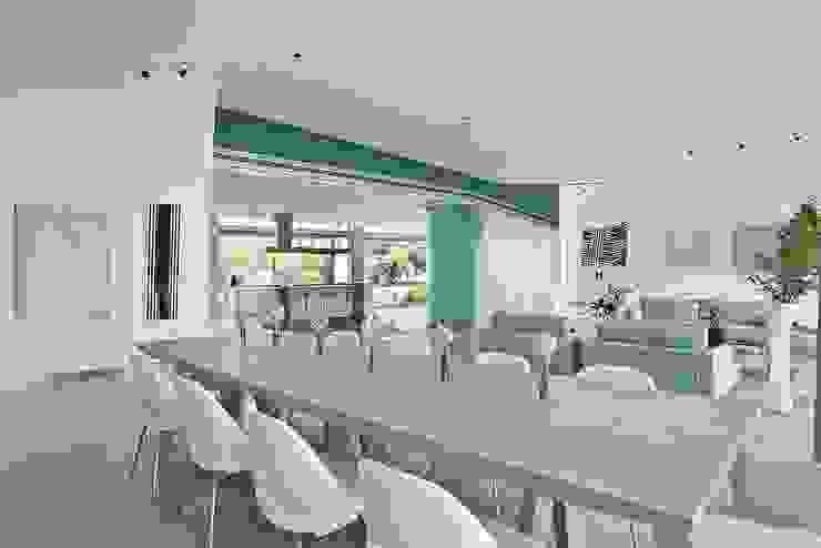 Sala da pranzo moderna di oda - oficina de arquitectura Moderno