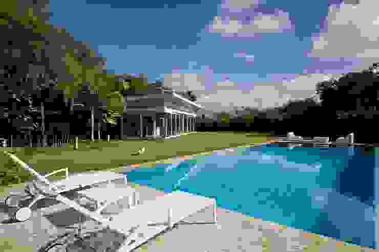 oda - oficina de arquitectura Moderne Pools