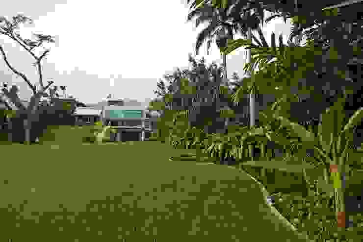 Jardins modernos por oda - oficina de arquitectura Moderno