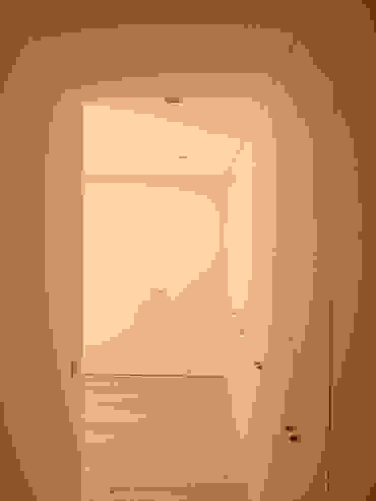 Roupeiros Quartos modernos por Carpinteiros.pt Moderno MDF