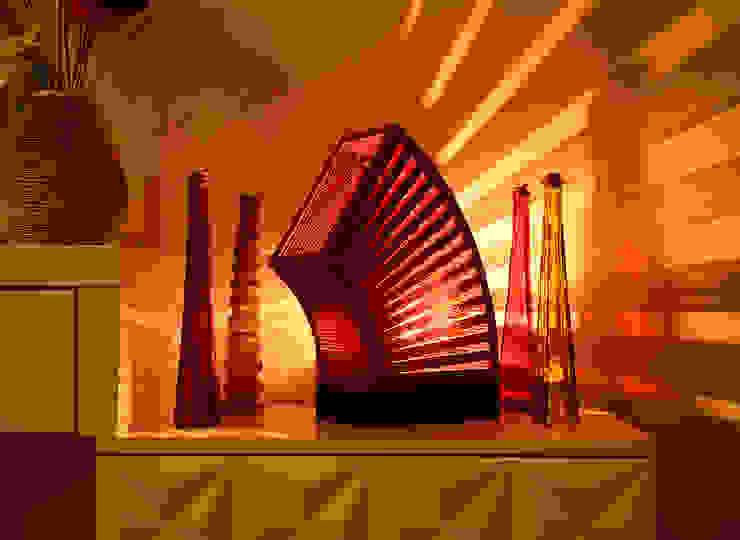 Sustainable Handmade Sylvn Studio Rondeur Red Table Lamp: modern  by Sylvn Studio,Modern