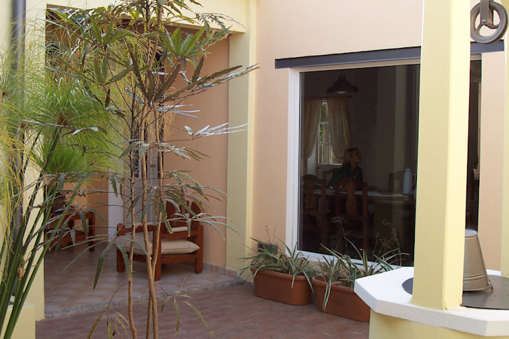 Rustic style garden by milena oitana Rustic