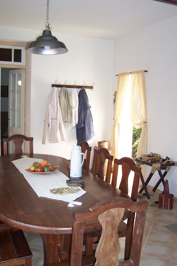 Rustic style dining room by milena oitana Rustic