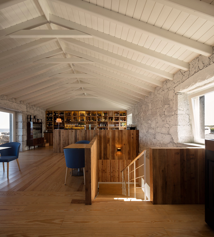 Cella Bar por Fcc Arquitectura Moderno