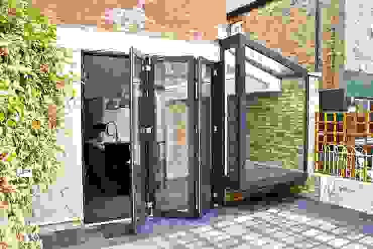 Carysfort Minimalist style garden by Forrester Architects Minimalist