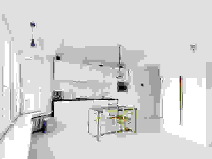 ミニマルデザインの キッチン の planomatic ミニマル