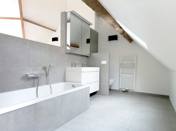 Banheiros minimalistas por planomatic Minimalista