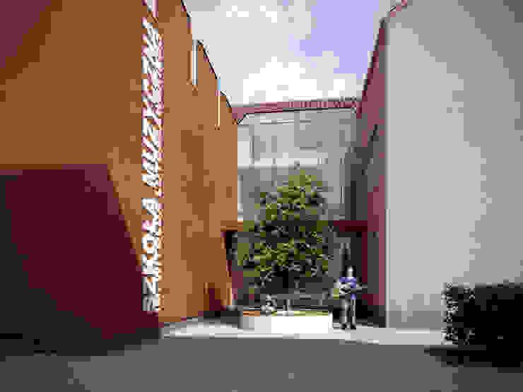 PL+sp. z o.o. Moderne scholen