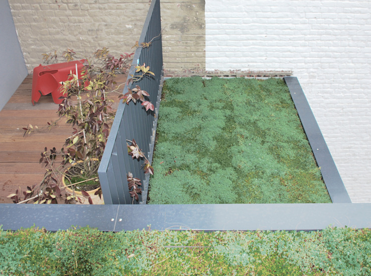 Minimalistische balkons, veranda's en terrassen van planomatic Minimalistisch
