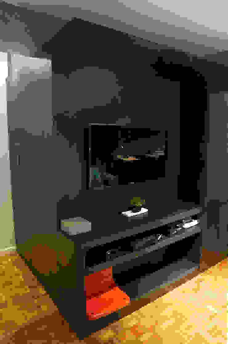 Modern media room by Maxma Studio Modern
