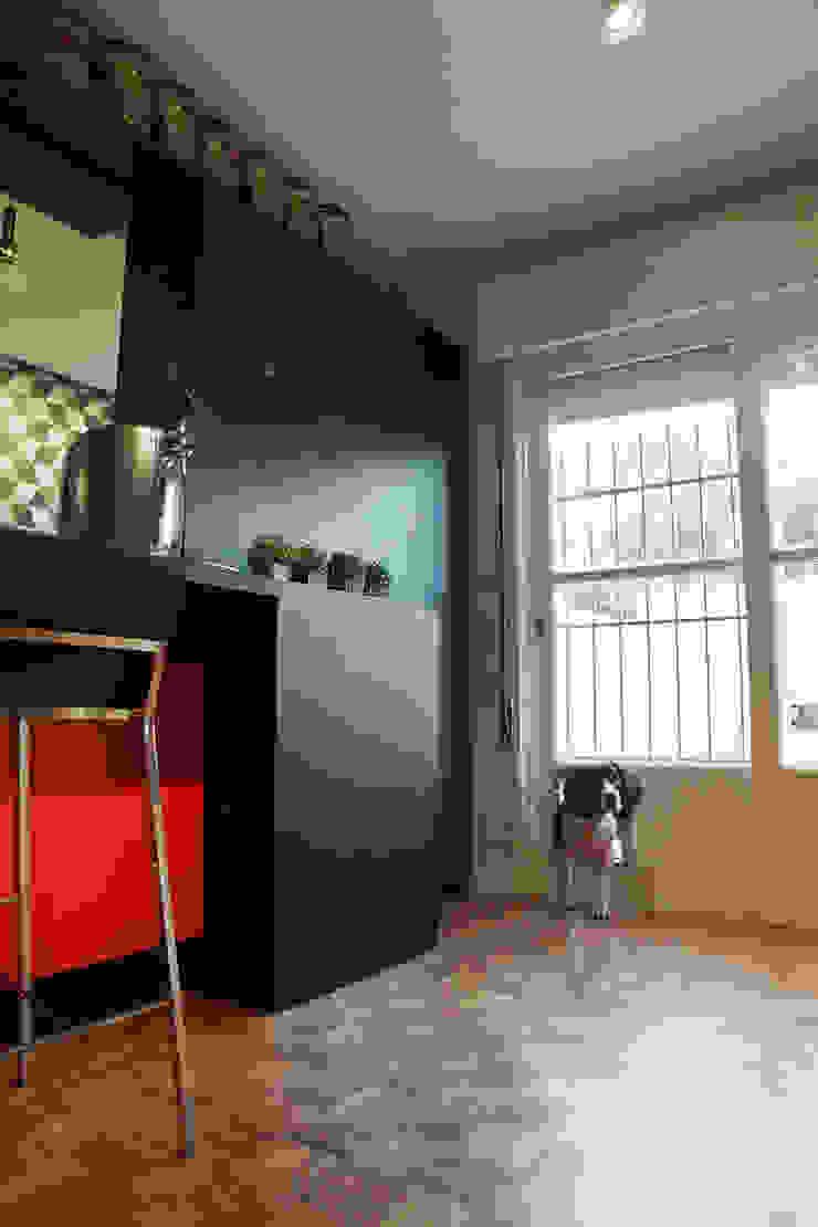 Modern windows & doors by Maxma Studio Modern