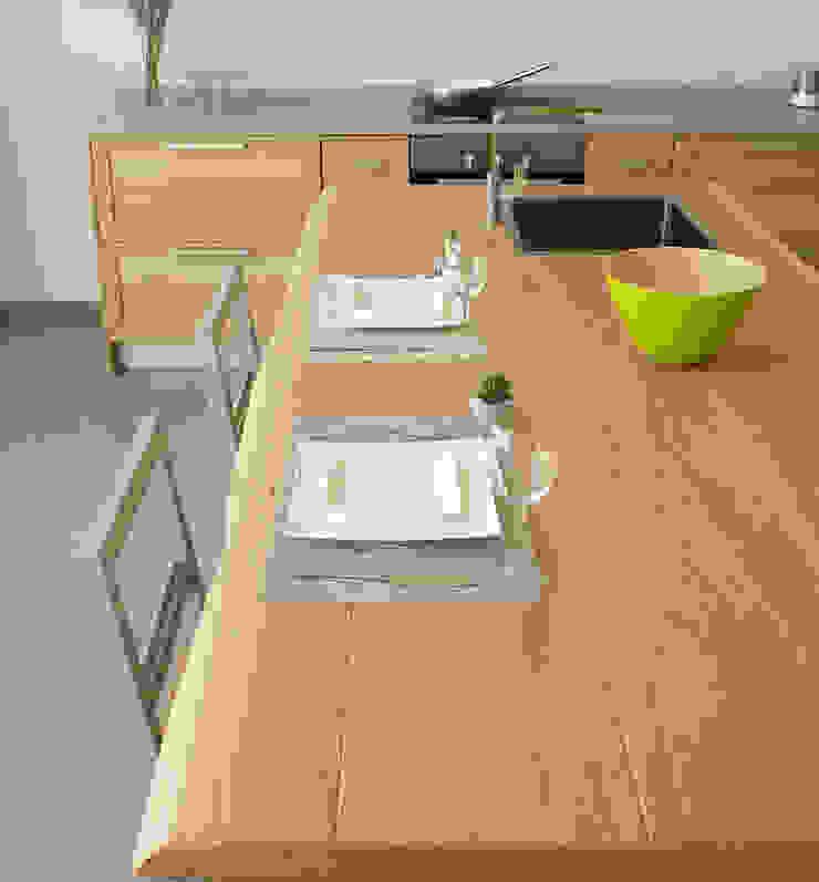 Mediterrane Küchen von LA BOTTEGA DEL FALEGNAME Mediterran Massivholz Mehrfarbig