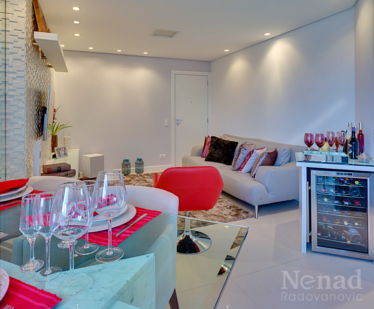 sala de estar/ jantar por Letícia Bowoniuk Arquitetura e Interiores Minimalista