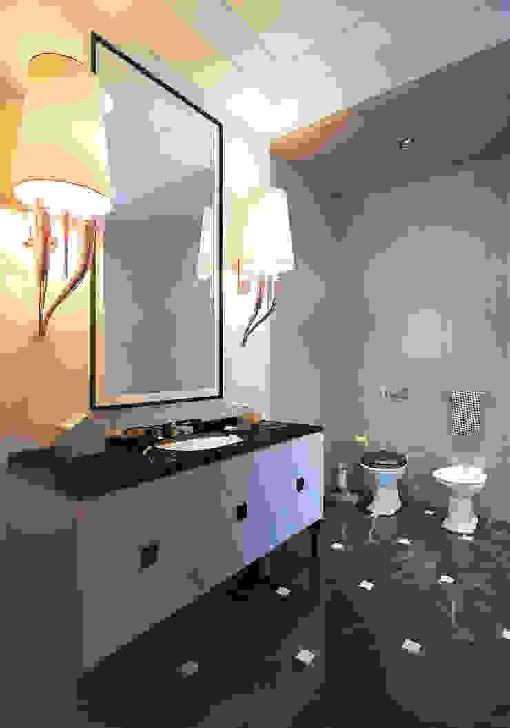 Apartment in Moscow Ванная в классическом стиле от KAPRANDESIGN Классический Плитка