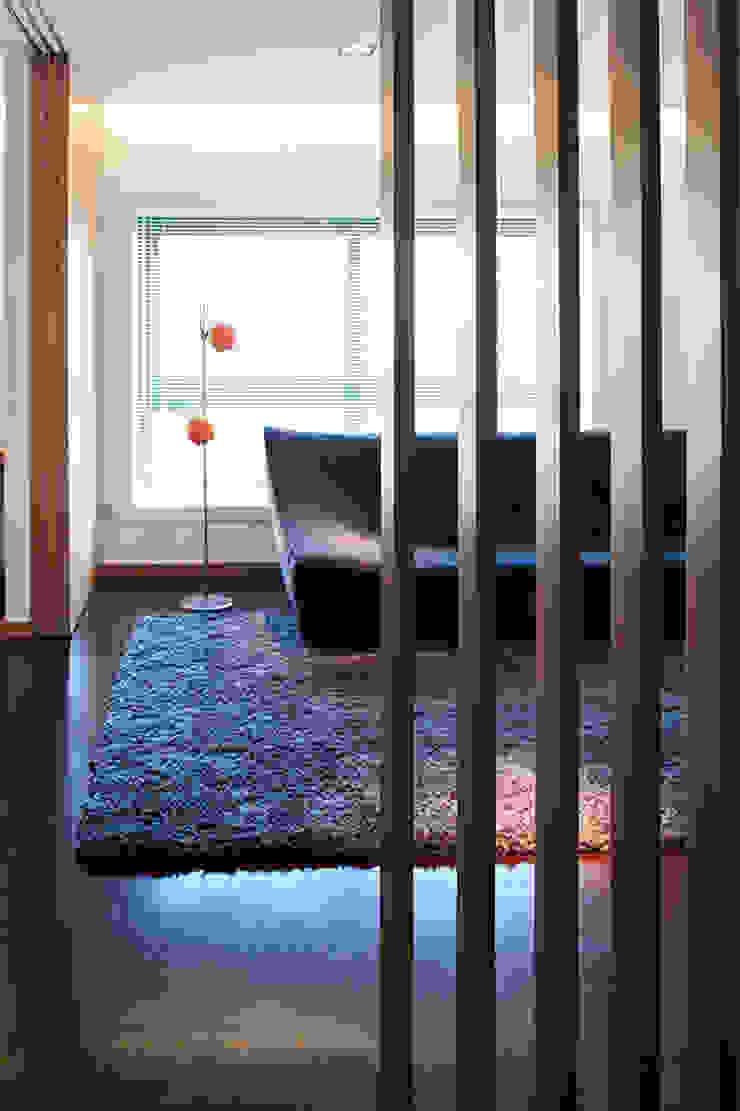 Reforma de apartamento Corredores, halls e escadas minimalistas por PAULO MARTINS ARQ&DESIGN Minimalista