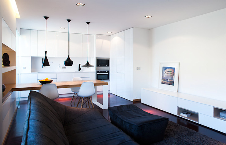 Reforma de apartamento Salas de estar minimalistas por PAULO MARTINS ARQ&DESIGN Minimalista