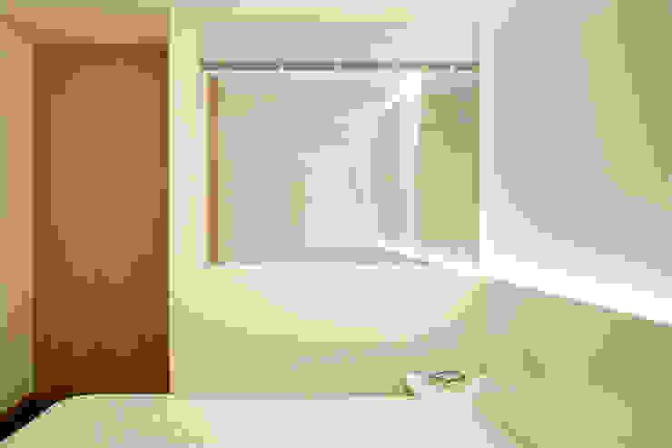 Reforma de apartamento Quartos minimalistas por PAULO MARTINS ARQ&DESIGN Minimalista