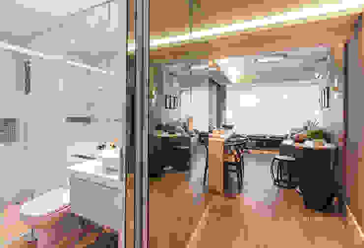 Salones modernos de Claudia Stach e Daniela Bordignon Arquitetura Moderno Tablero DM