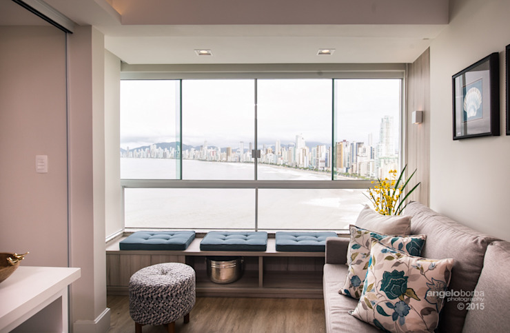 Claudia Stach e Daniela Bordignon Arquitetura Modern balcony, veranda & terrace MDF White