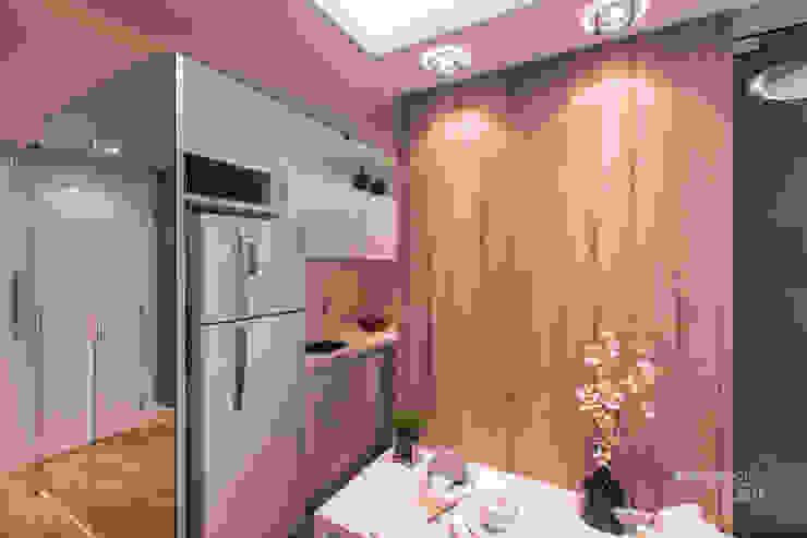 Cocinas modernas de Claudia Stach e Daniela Bordignon Arquitetura Moderno Tablero DM