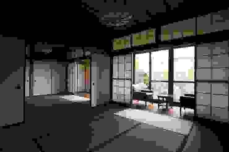 Kawanayama House (Renovation) 和風デザインの 多目的室 の Sakurayama-Architect-Design 和風