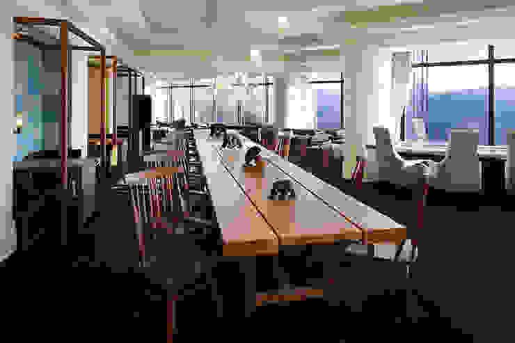 北海道all dinig 椿サロン: 株式会社アトリエテンマが手掛けた現代のです。,モダン