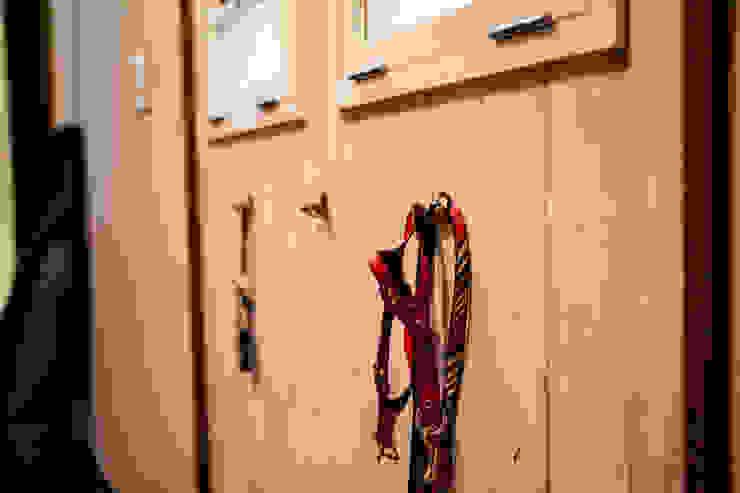 小物使いが素敵なお家 オリジナルスタイルの 玄関&廊下&階段 の 株式会社コリーナ オリジナル
