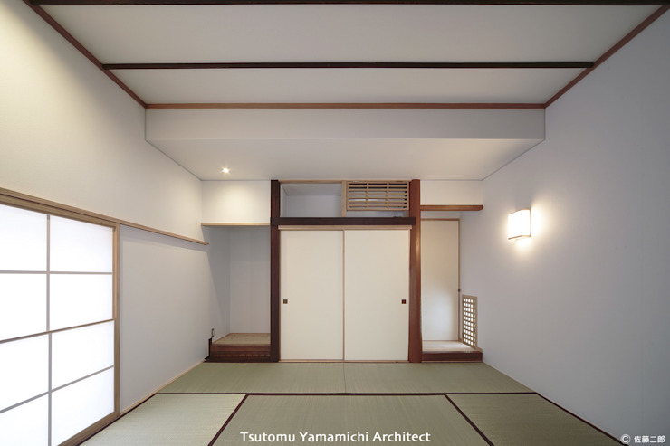 Salas multimedia de estilo escandinavo de 山道勉建築 Escandinavo Madera Acabado en madera