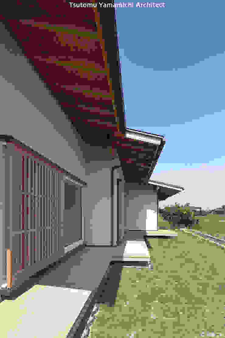 山道勉建築 Patios & Decks Wood White