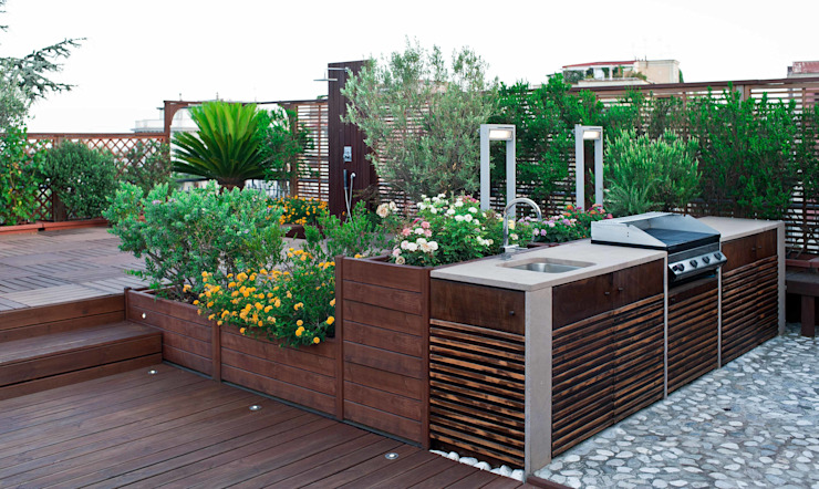 Balcones y terrazas mediterráneos de architetto Lorella Casola Mediterráneo