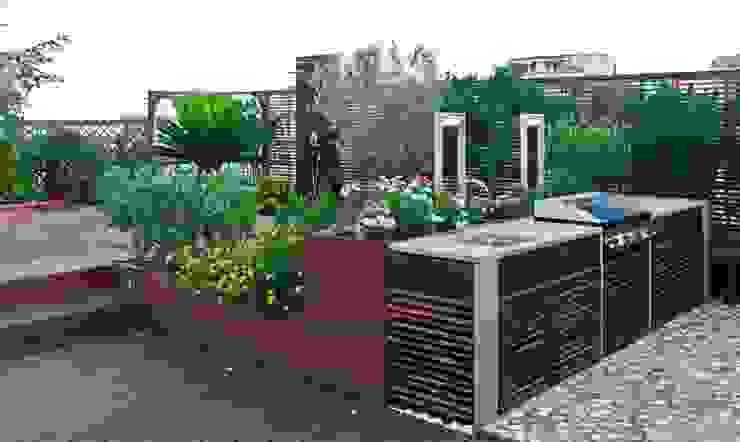 Varandas, alpendres e terraços mediterrâneo por architetto Lorella Casola Mediterrâneo