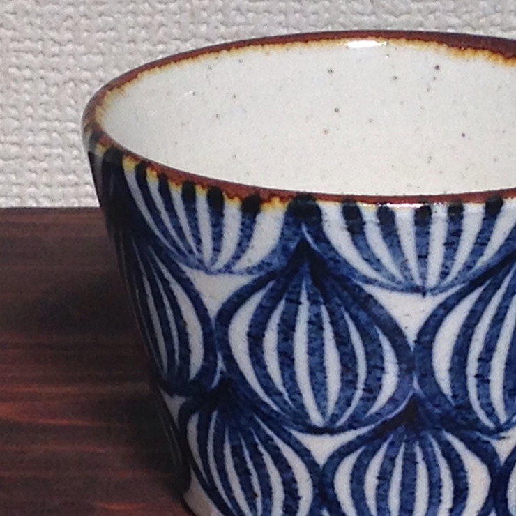 手作業のあたたかみ: キカキカクが手掛けた現代のです。,モダン 陶器
