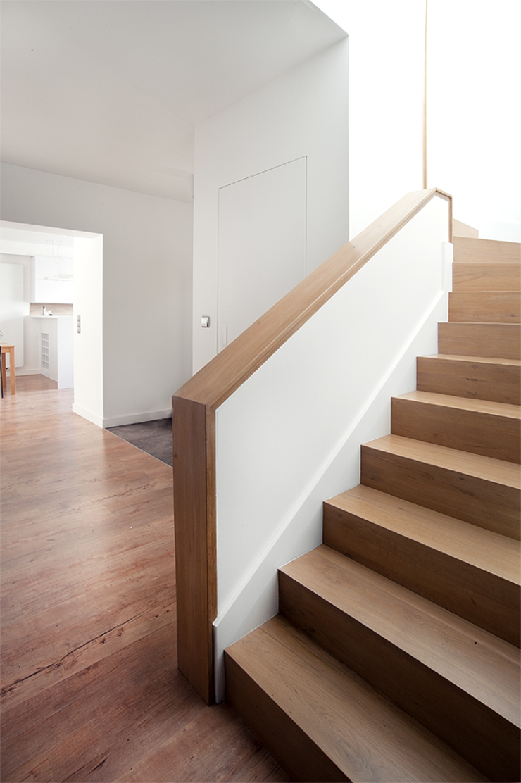 PL+sp. z o.o. Moderner Flur, Diele & Treppenhaus