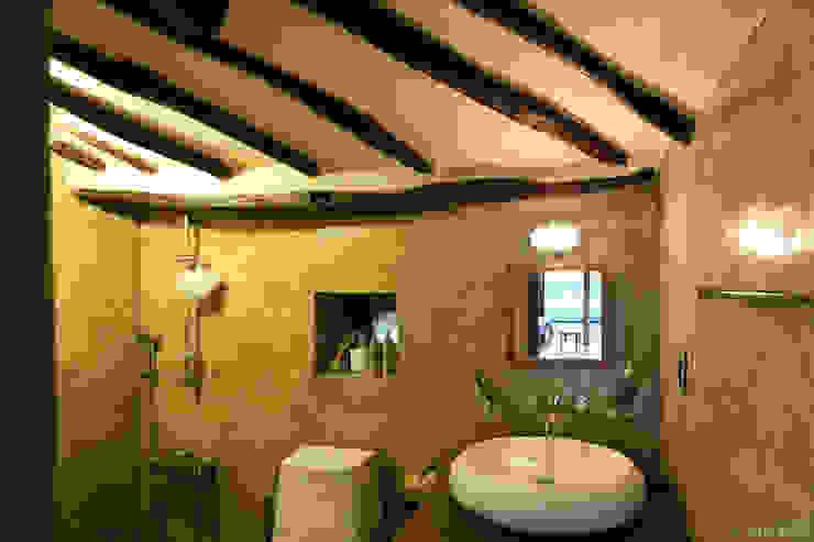 Rustykalna łazienka od Z_Lab Rustykalny