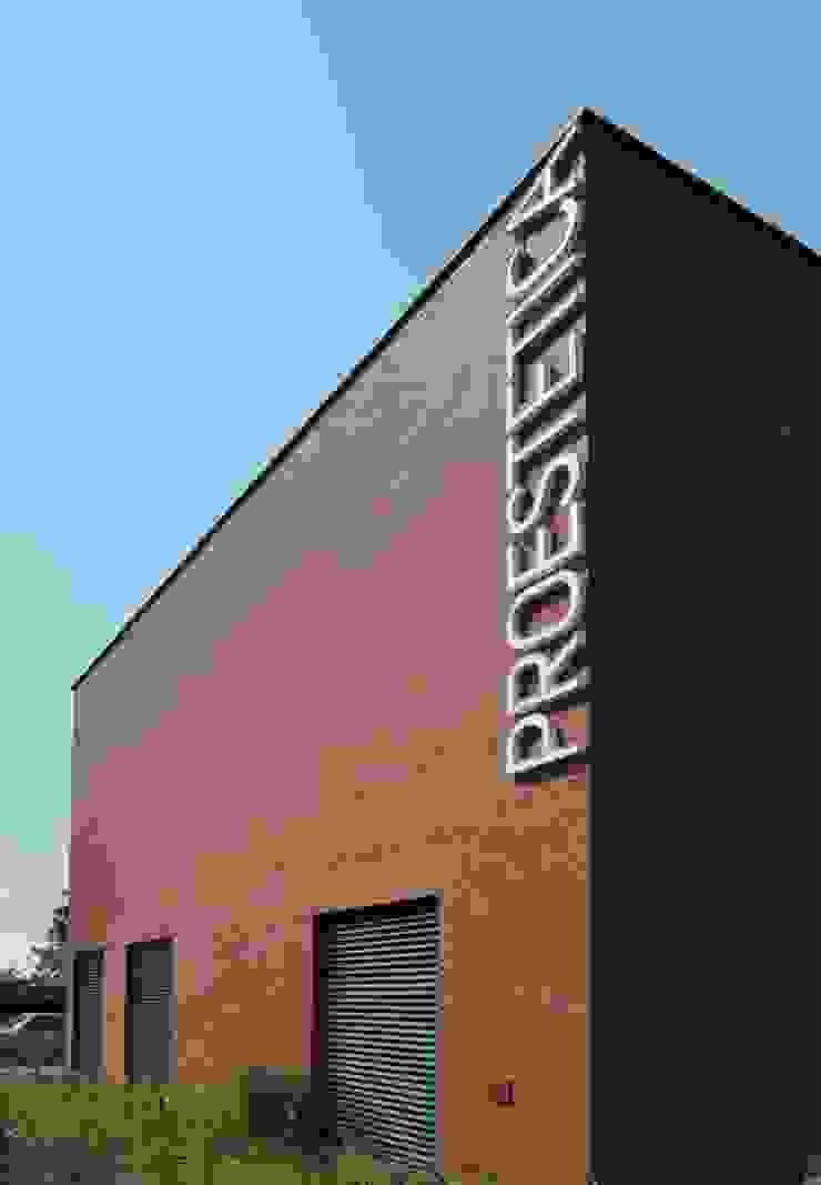 PL+sp. z o.o. Clinics Pottery