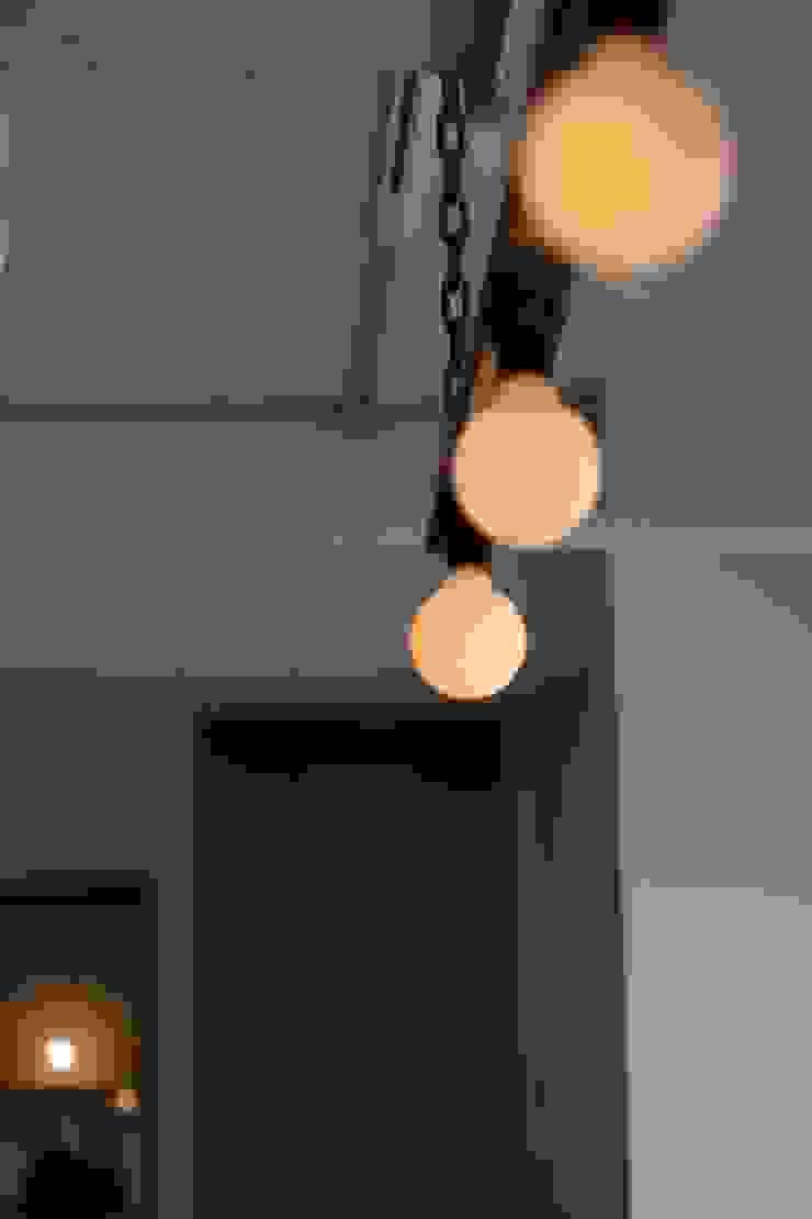 90平米のワンルーム インダストリアルデザインの リビング の HOUSETRAD CO.,LTD インダストリアル