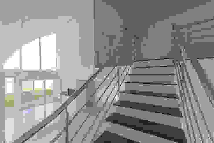 Casas Novas Corredores, halls e escadas modernos por ME Fotografia de Imóveis Moderno