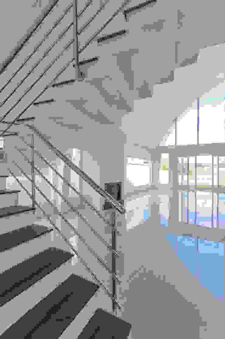 Casas Novas Salas de estar modernas por ME Fotografia de Imóveis Moderno