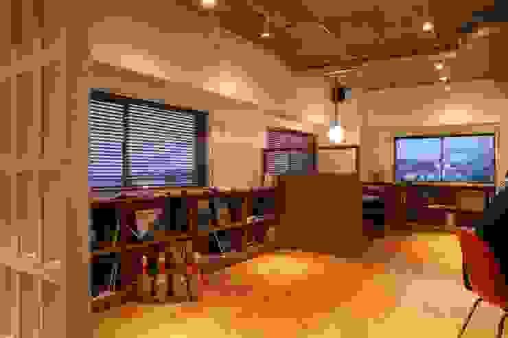 海辺のオフィス の HOUSETRAD CO.,LTD トロピカル