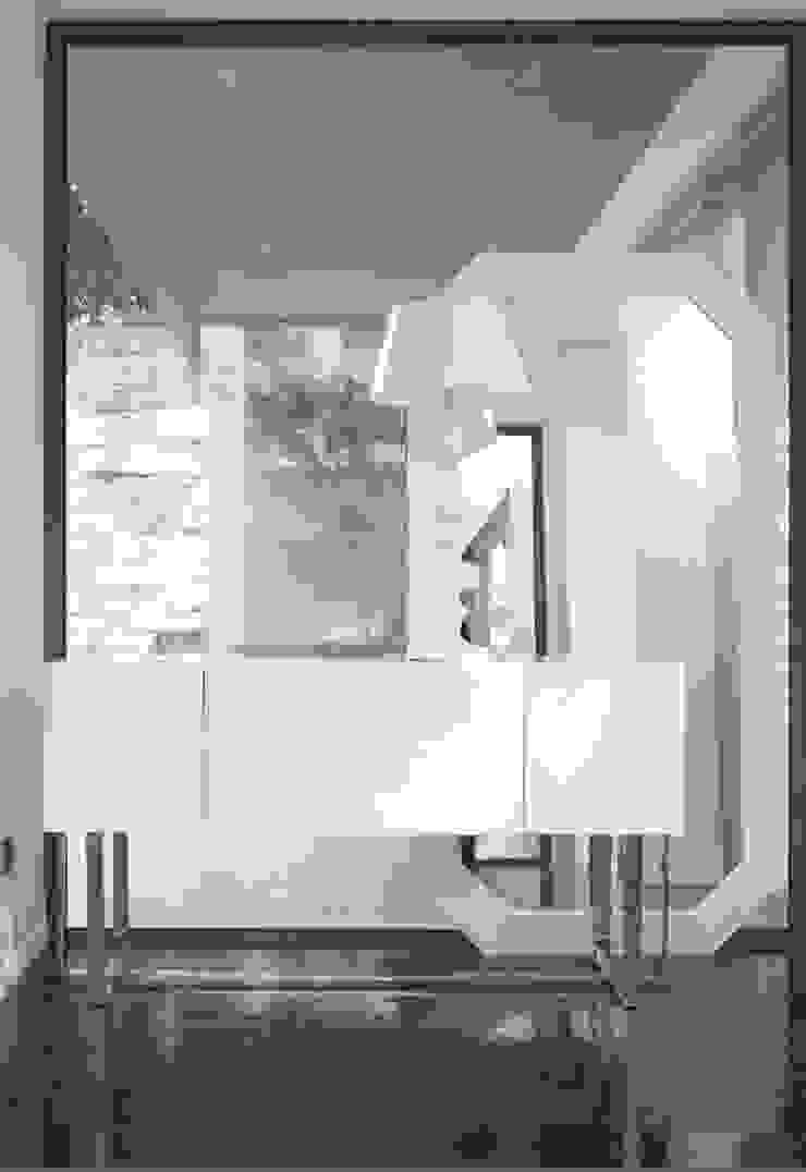 Mobiliário para Hall Hall Furniture www.intense-mobiliario.com Nara http://intense-mobiliario.com/product.php?id_product=1077 por Intense mobiliário e interiores; Moderno