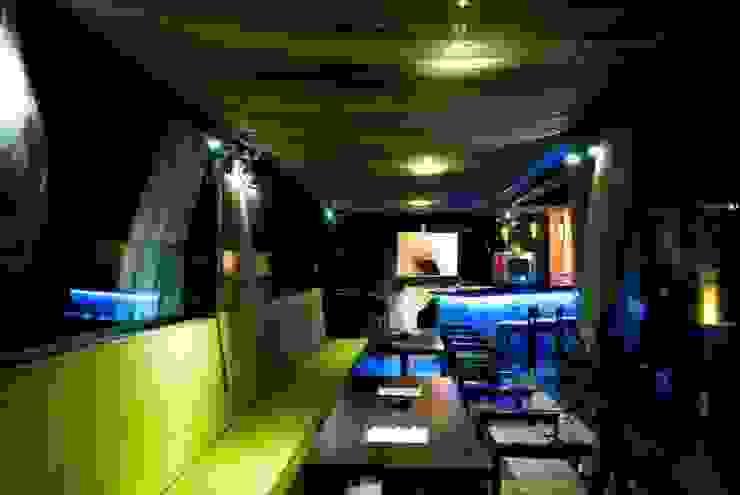 Fireflies, Bangalore: modern  by In-situ Design,Modern