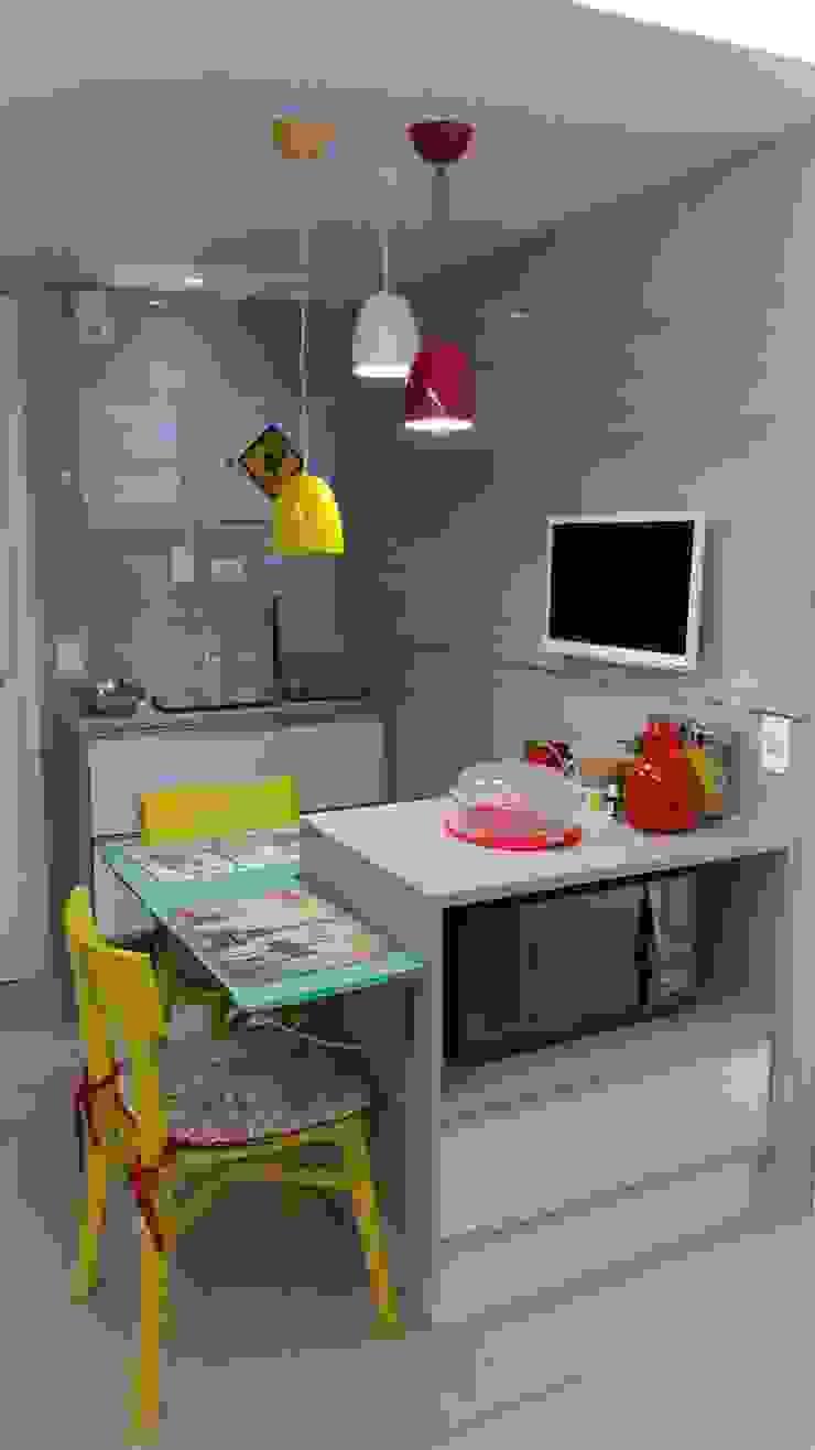 Cozinha por Caroline Lima Arquitetura Moderno