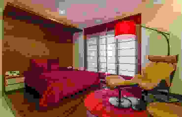 Nahata Residence. Modern style bedroom by In-situ Design Modern