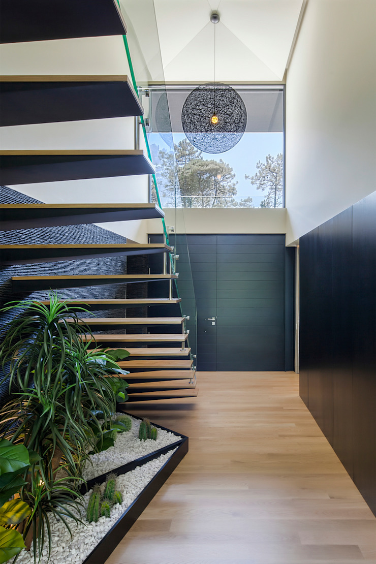 Main entry of the House Modern corridor, hallway & stairs by INAIN Interior Design Modern